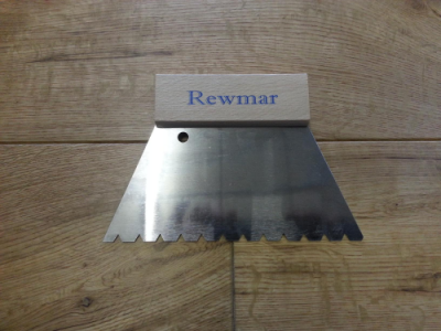 Rewmar-v Notched Spreader-£5.50