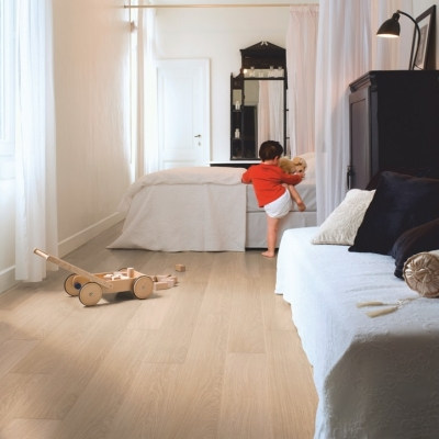 Quickstep Im3105 White Varnished Oak-£19.99 M2